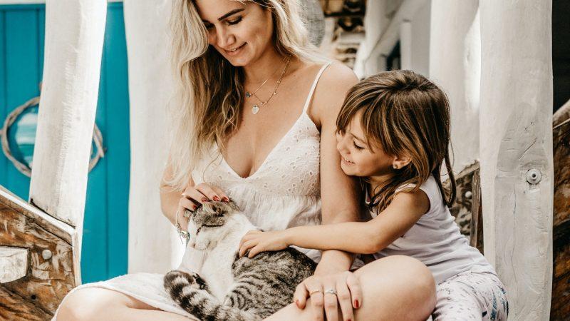 Doit-on séparer un chaton d'un bébé ?